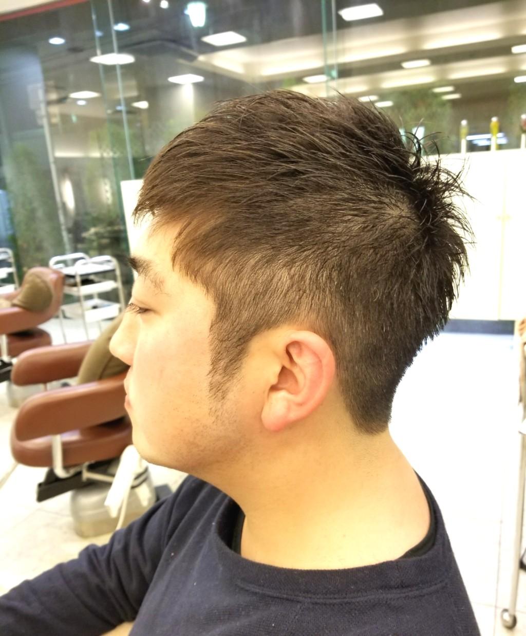 あなたの頭の形を刈りあげスタイルでキレイに見せます!